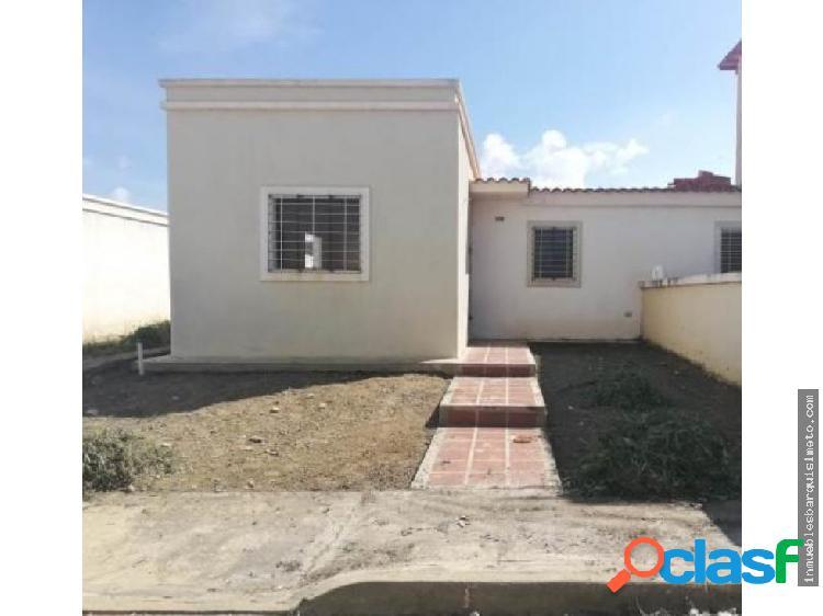 Casa en Venta La Montañita Cabudare Flex 19-93 RR
