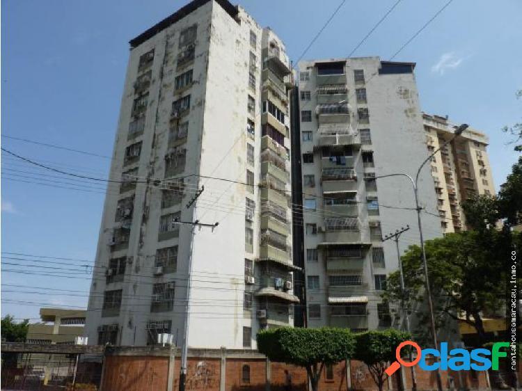 Apartamento en Venta Urb. El Centro RG 19-5913