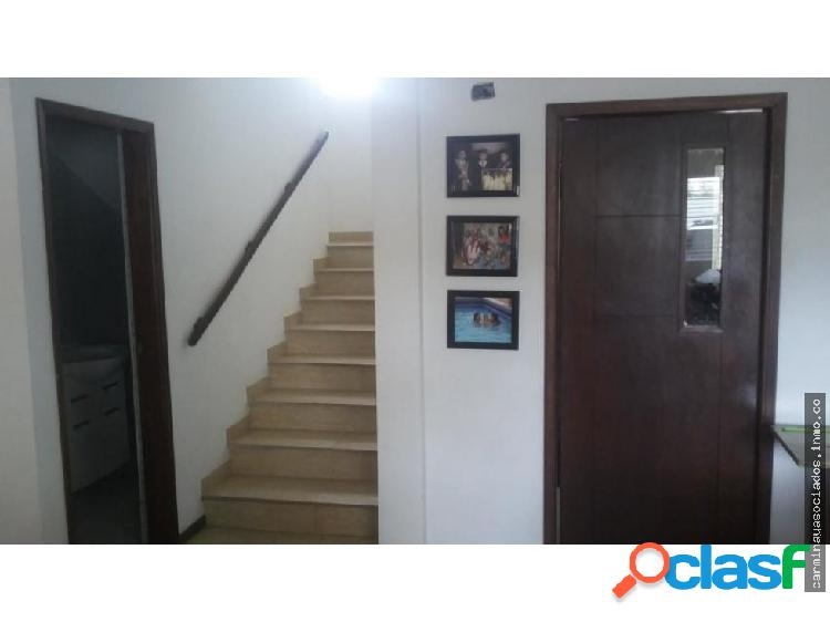 Vendo Townhouse MLS #19-3779 La Trinidad KR