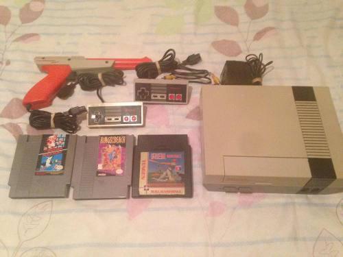 Nintendo Nes En Perfecto Estado 2 Controles 3 Juegos (70$)