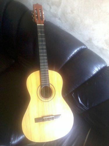 Guitarra Clásica Acústica