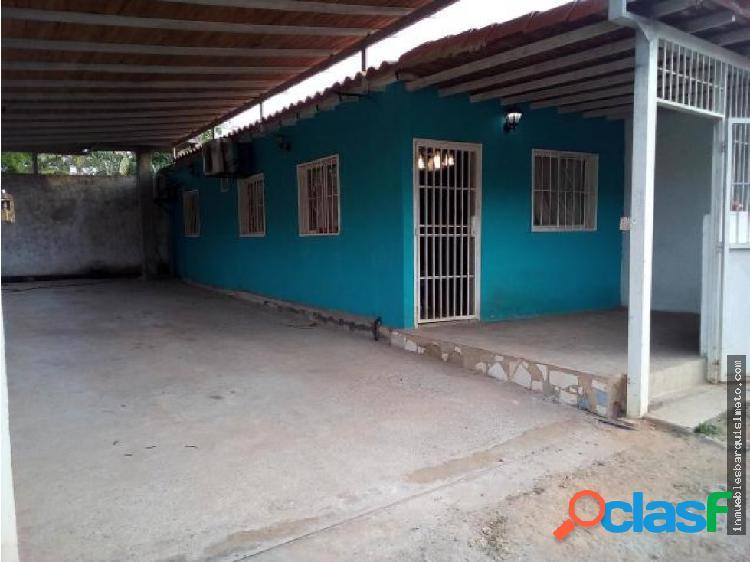 Casa en Venta El Manzano 19-376 RB