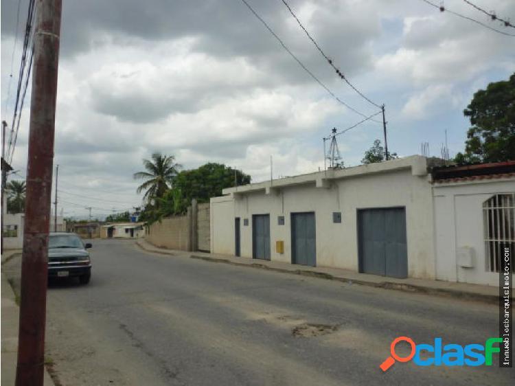 Local en Venta en Cabudare 19-358 RB