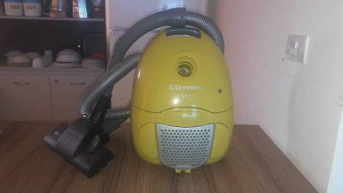 Aspiradora Electrolux Ingenio 1300w Usada