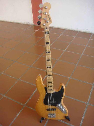 Bajo Squier By Fender