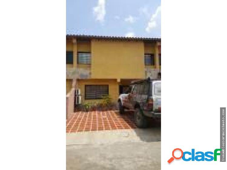 Casa Venta Res. Arboleda Norte Flex 19-3747 RR