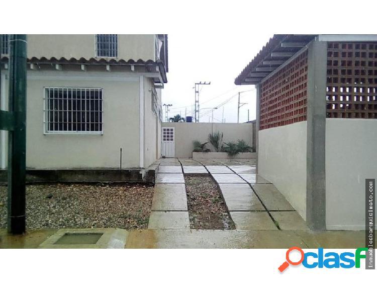 Casa Venta URB EL ROSAL Flex 19-4379 RR