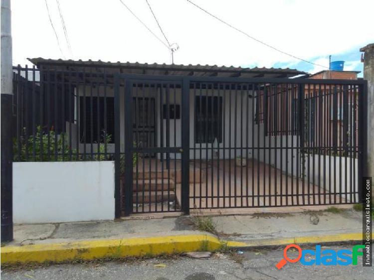 Casa Venta Urb. La Pedregoza Flex 19-5279 RR