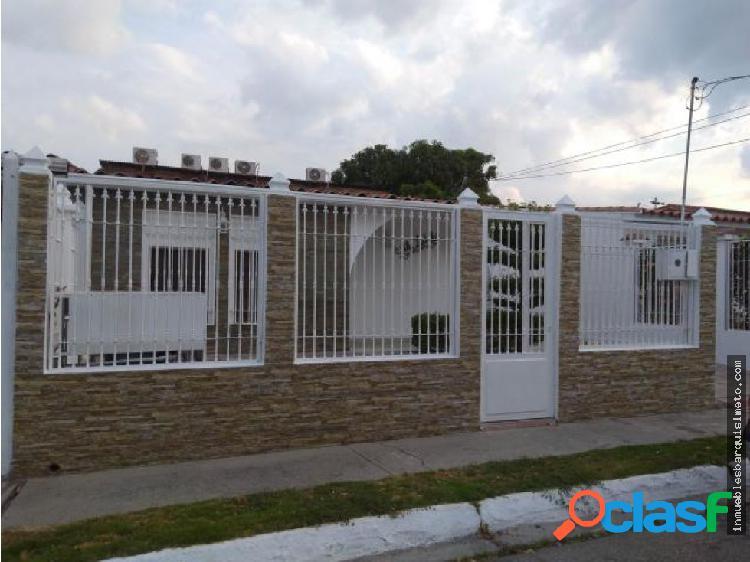Casa Venta Urb Las Mercedes Flex 19-6255 RR