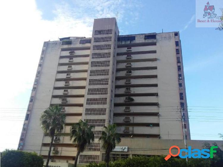 Apartamento en Venta Cumboto Mz 18-11833