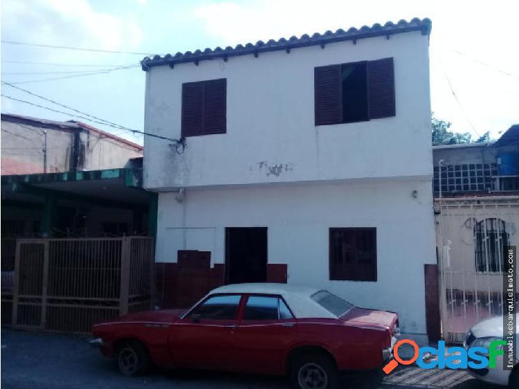 Vendo Casa Con Local Comercial en La Mora Cabudare