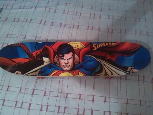 Patineta De Super Man Relativamente Nueva Sin Uso