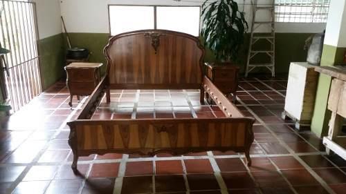 Juego De Cuarto Matrimonial De Madera Tallada En Merida