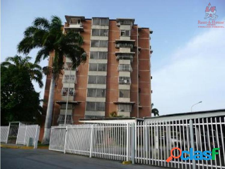 Apartamento en Venta San Jacinto, Maracay 19-7673