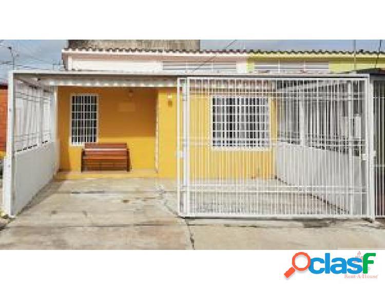 Cómoda Casa en Urbanización Privada de Cabudare