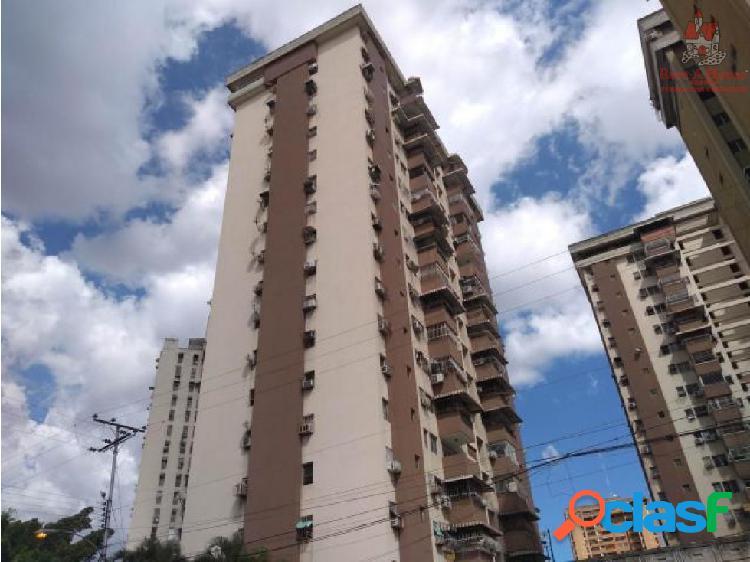 Apartamento Venta Urb El Centro, Maracay 19-7860