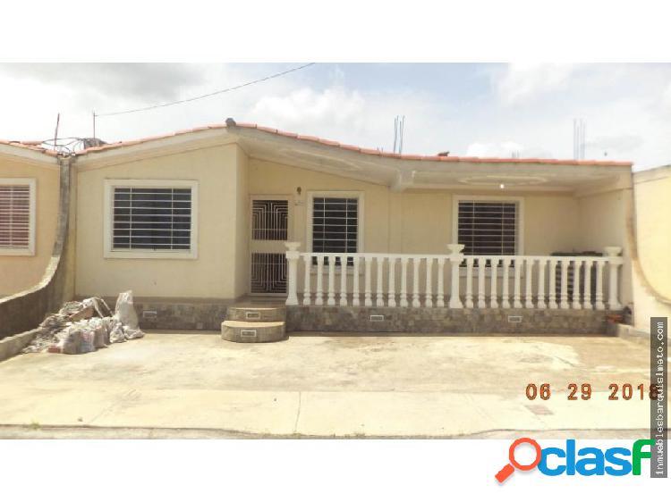 Casa en Venta en Barquisimeto Codigo: 19-1653