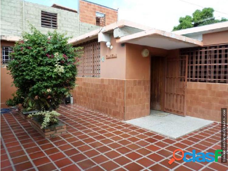 Casa en Venta en Barquisimeto Codigo: 19-3584