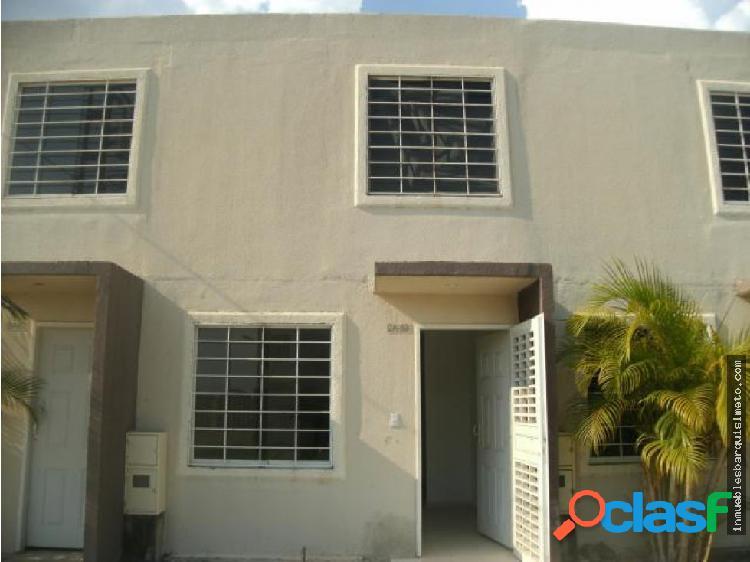 Casa en Venta en Barquisimeto Codigo: 19-3808