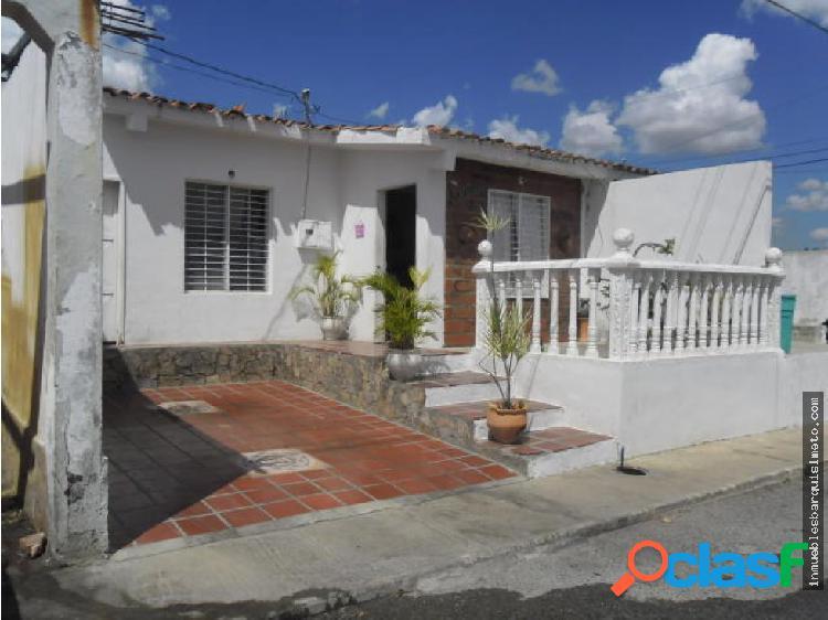 Casa en Venta en Barquisimeto Codigo: 19-467
