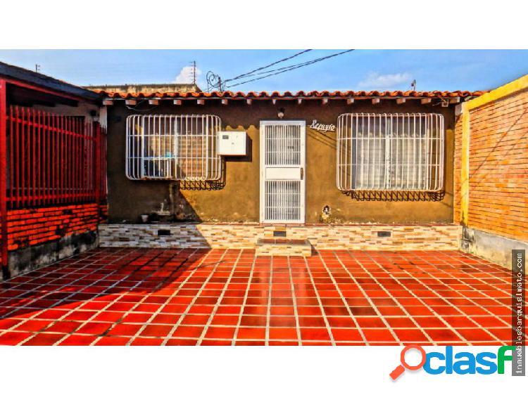 Casa en Venta en Cabudare Codigo: 19-7678