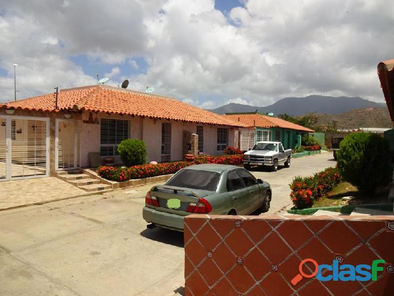 Casa en venta en Porlamar, Urbanización Pueblo Real, 149