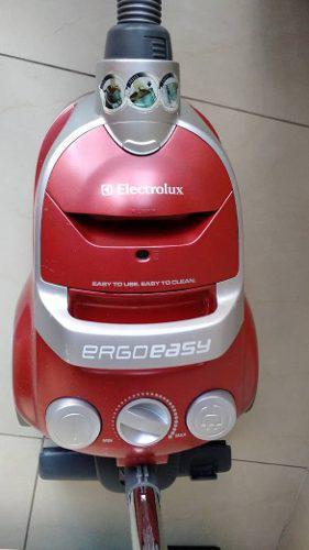 Aspiradora Electrolux Ergoeasy Modelo Titan