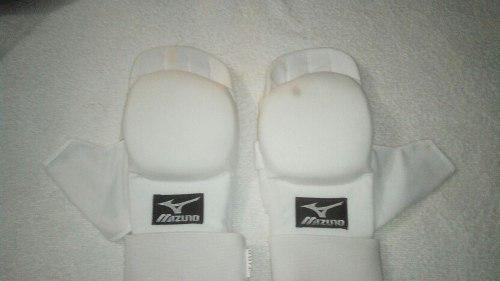 Guantines Blancos Para Karate Marca Mizuno