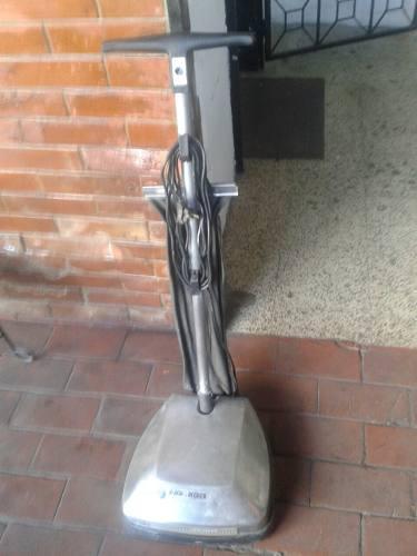Pulidora Y Aspiradora Electrica Blak Dequeker 3 Cepillos