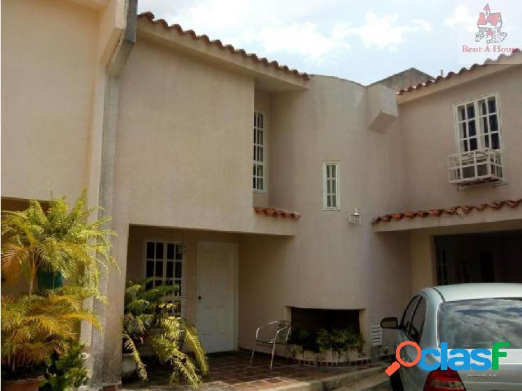 Townhouse en Venta Manongo Mz 18-11086