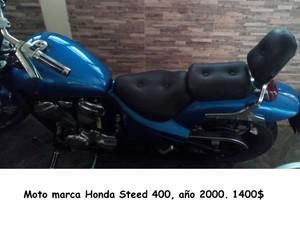 Vendo moto de colección. Marca honda steed 400. Año 2000