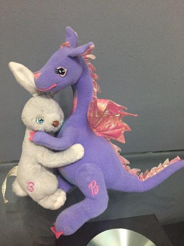 Dragón Y Conejo De La Barbie Lago De Los Cisnes