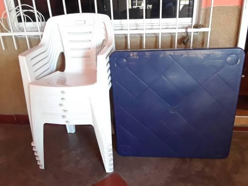 Juego De 6 Sillas Y 1 Mesa Plasticas Poco Uso.