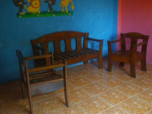 Juego De Muebles En Maderas. Usados