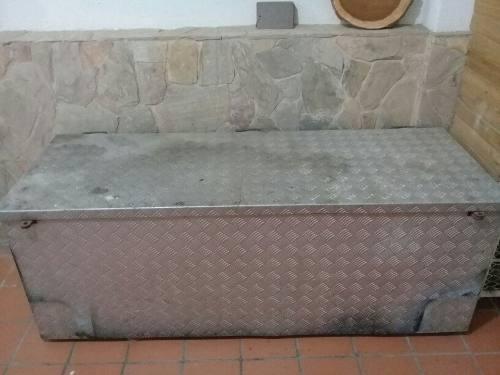 Baul Para Herramientas De Hierro Y Lamláminas De Aluminio
