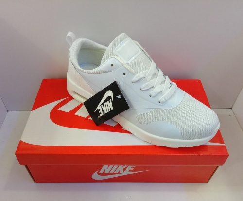 Zpt Nike Air Max Tavas. Talla . Todo Blanco. 3 Modelos.