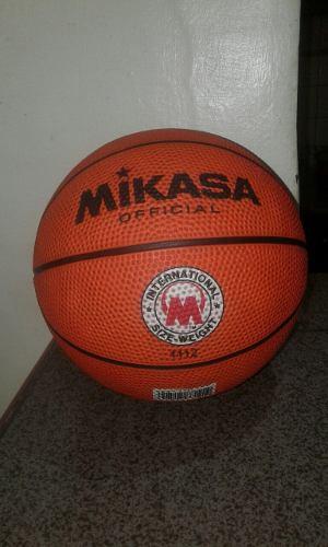 Balón De Baloncesto Pequeño