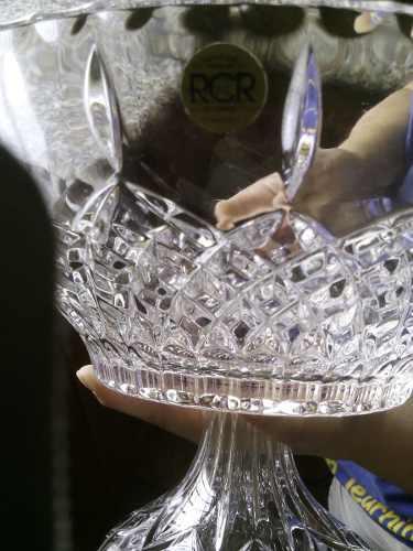 Hogar: Set De Cristal De Roca Marca Rcr Nuevo Pero Sin Caja