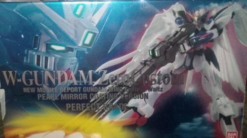 Gundam Perfect Grade Wing Zero Custompearl Coat Edition 1:60