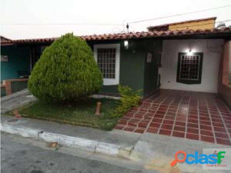 Linda y confortable casa a la venta