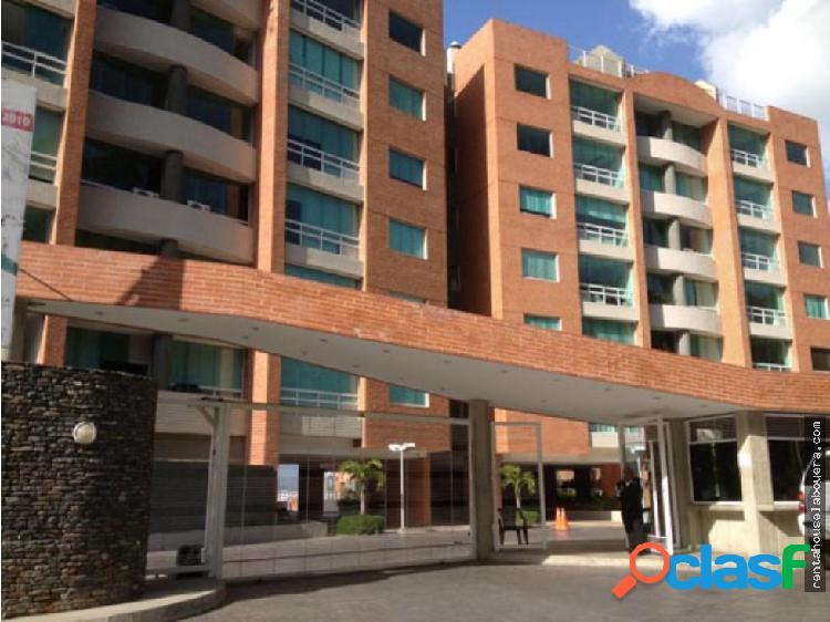 Apartamento en Venta Lomas del Sol FS1 MLS18-13546