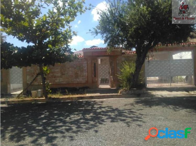 Casa en Venta La Esmeralda Nmm 19-1885