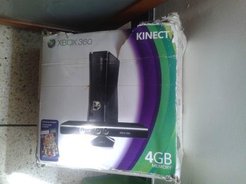 Consola De Video Juego Xbox 360 Y Kit De Carga Y Juega