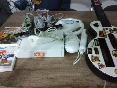 Nintendo Wii Con Accesorios Y Dos Juegos