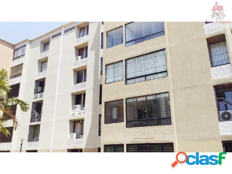 Apartamento en Venta Los Jarales Mz 19-8356