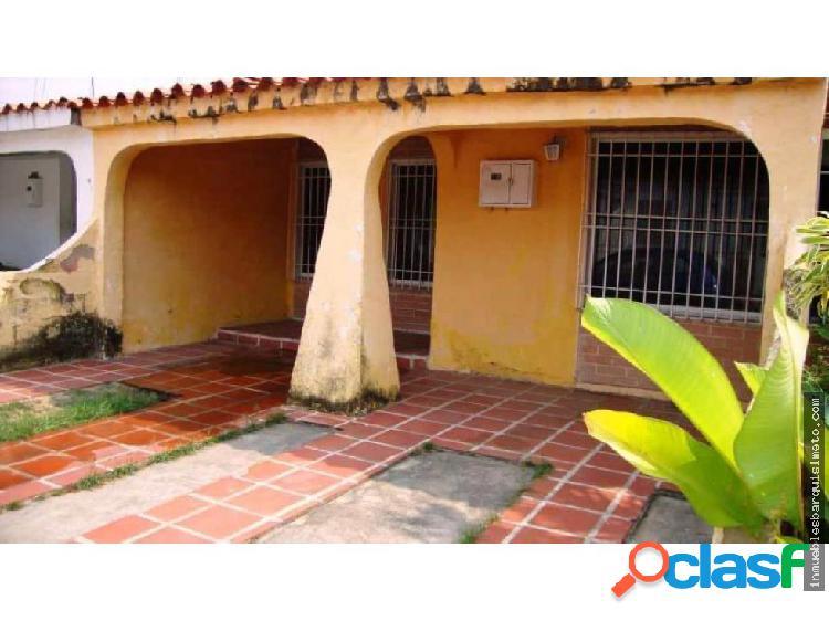 Casa en Venta en el Amanecer Cabudare RAH: 19-9007