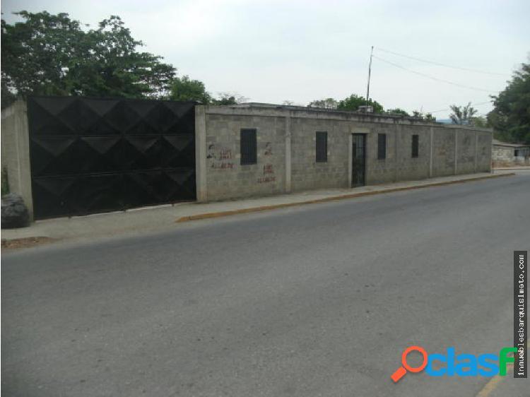 Amplia Casa en Venta en el Cercado RAH: 19-9083