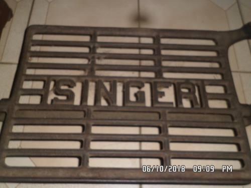 Máquina De Coser Antigua Singer (funcional)
