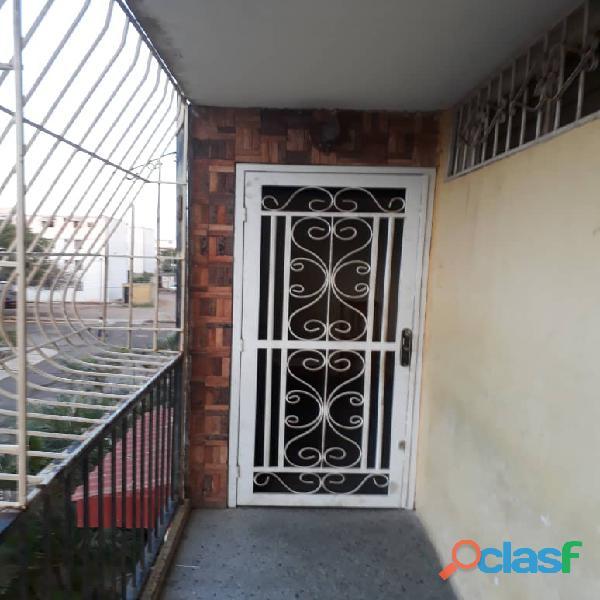 venta de bello apartamento en maracaibo. urb. raul leoni