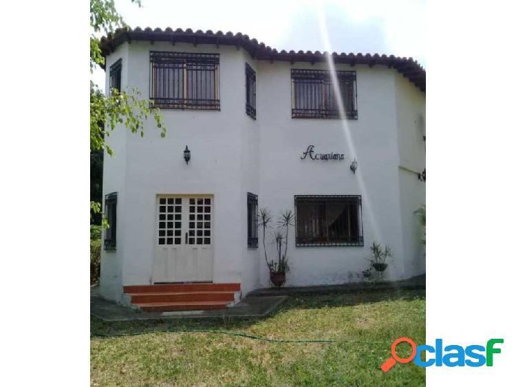 Amplia Casa en venta en las Cumbres del Manzano